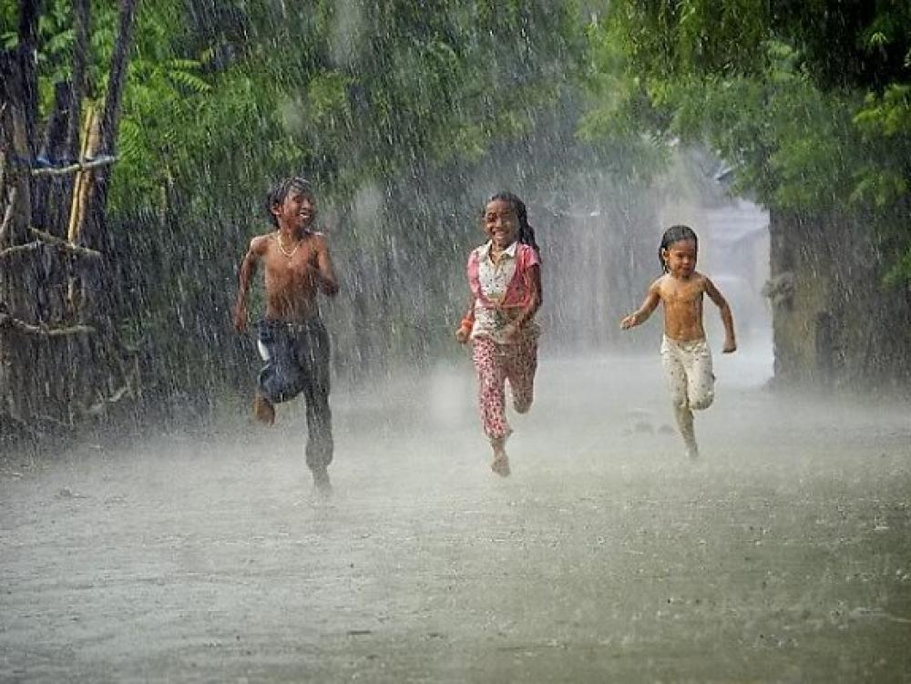Hè về mưa rơi karaoke beat - Vân Anh, Quỳnh Như