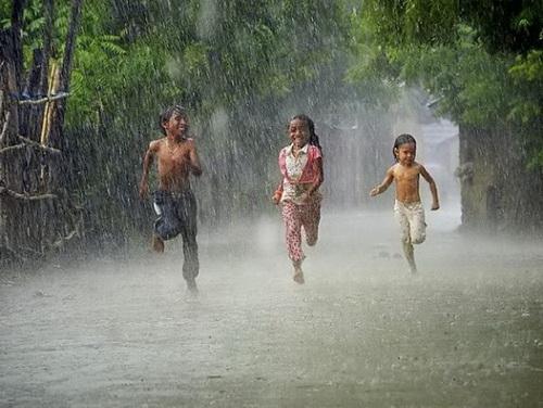Hè về mưa rơi - Vân Anh, Quỳnh Như, sáng tác: Lê Vinh Phúc